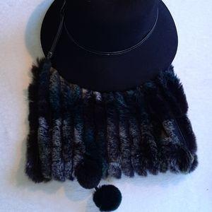 KYI KYI CANADA Genuine rabbit fur neck warmer